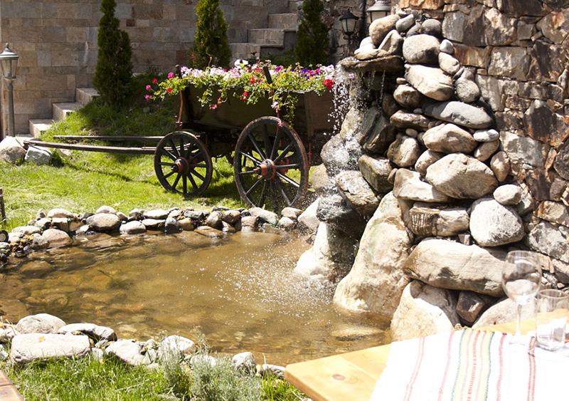 лятна градина на хотел камелия пампорово