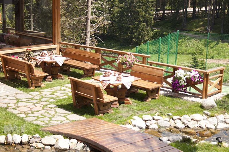 ресторант на открито в хотел камелия